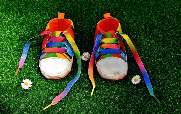 zapatillas de bebé de colores