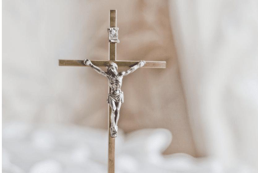 ▷ Collares Para Bautizo: Regala Collares con Crucifijo o Angelitos 😇